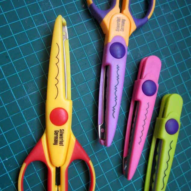 Машинки, ножи, папки, люверсы, резаки и ножницы
